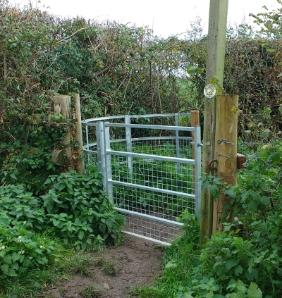 Kissing Gate near Kentchester Turn